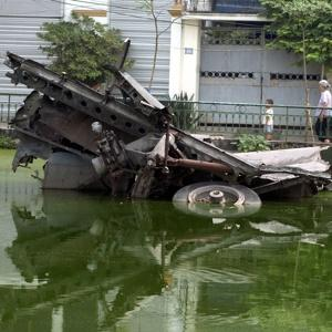 Click image for larger version.  Name:b-52 hanoi.jpg Views:1 Size:48.0 KB ID:13332
